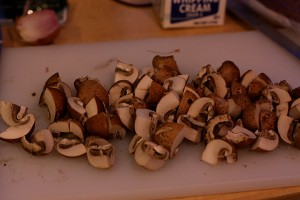 Quarter 8 oz. cremini mushrooms.