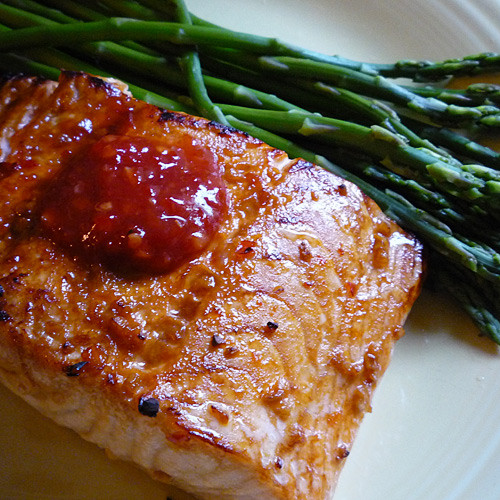 Garlic Chili Asian Salmon with asparagus - foodwhirl.com