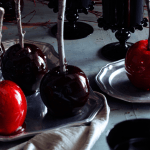 Impressive Halloween Treat: Red & Black Candied Apples