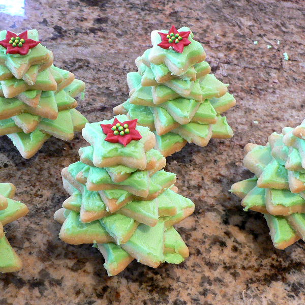 How to Make Stacked Christmas Tree Cookies | Foodwhirl