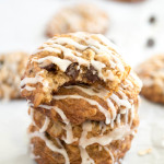 oatmeal-chocolate-chip-cookies-with-vanilla-icing_