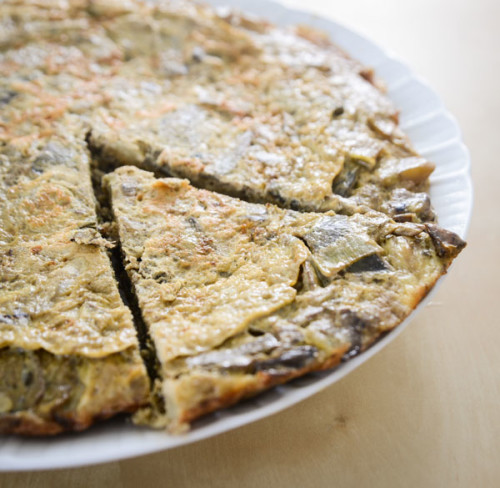 Frittata with artichokes, leeks and potatoes