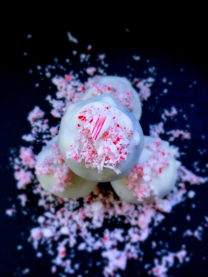 Coconut Peppermint Truffles   4 Ingredients and ready in 10 minutes