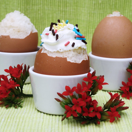 How to make cake filled eggshells