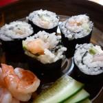 how to make shrimp and cucumber sushi (maki)