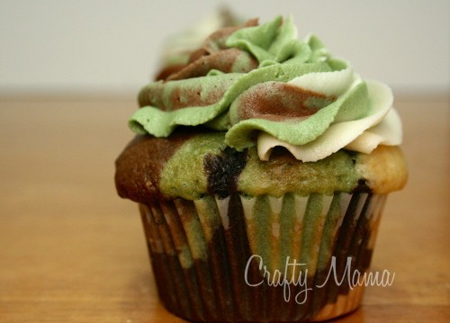 camoflage cupcakes how to and recipe from craftymama