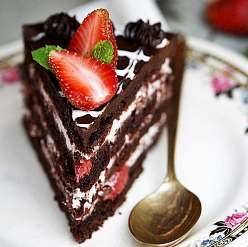 Gluten Free Chocolate Cake With Ricotta And Strawberry Filling